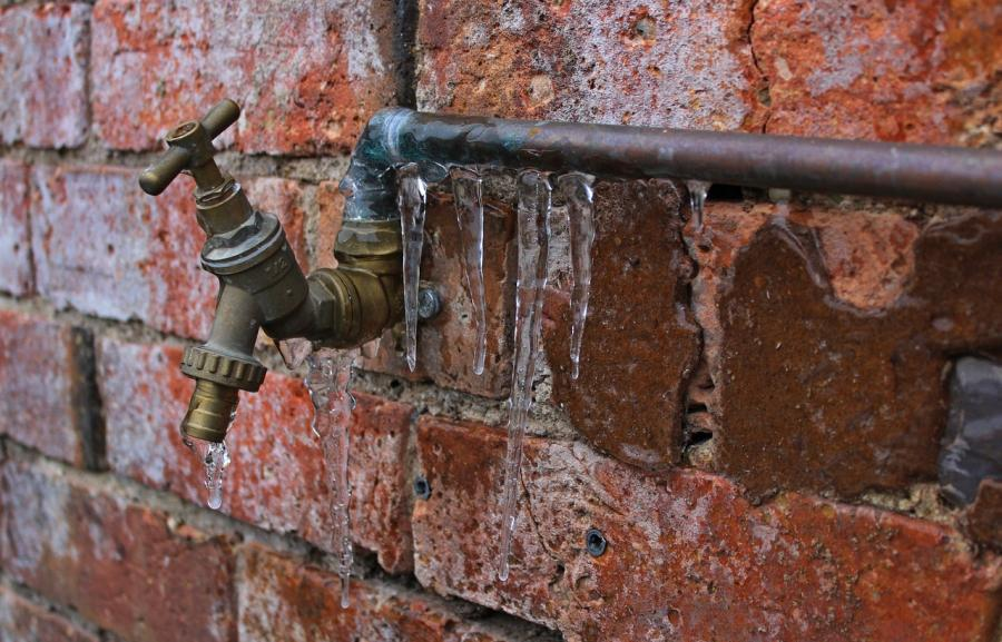 Free Guide: How to winterize pipes in a vacant home? 4
