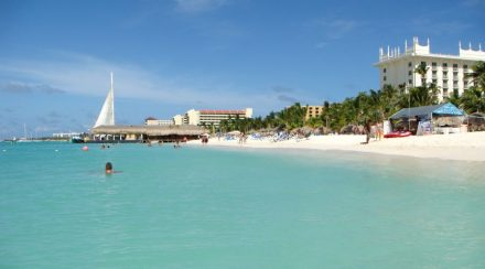 Spend-your-winter-in-Aruba-Is-Aruba-a-good-snowbird-location-1