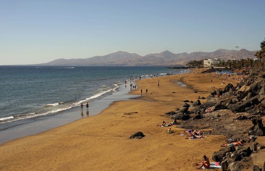 Spend your winter in Puerto del Carmen - Lanzarote - Is Puerto del Carmen a good snowbird location 1