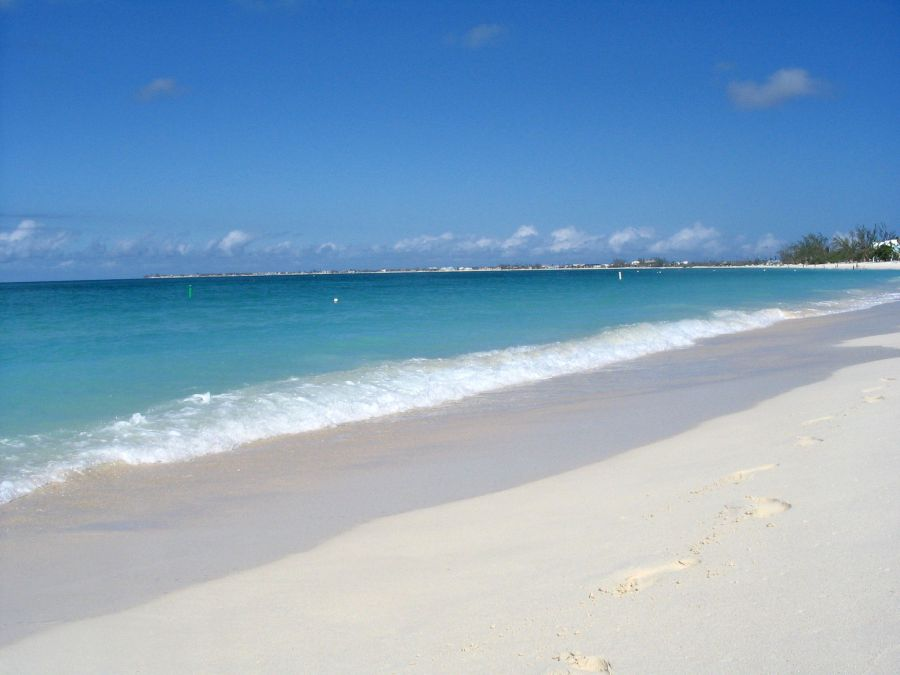 Spend your winter in the Cayman Islands - Is the Cayman Islands a good snowbird location 1